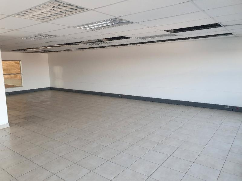 Property For Rent in Olifantsfontein, Midrand 3