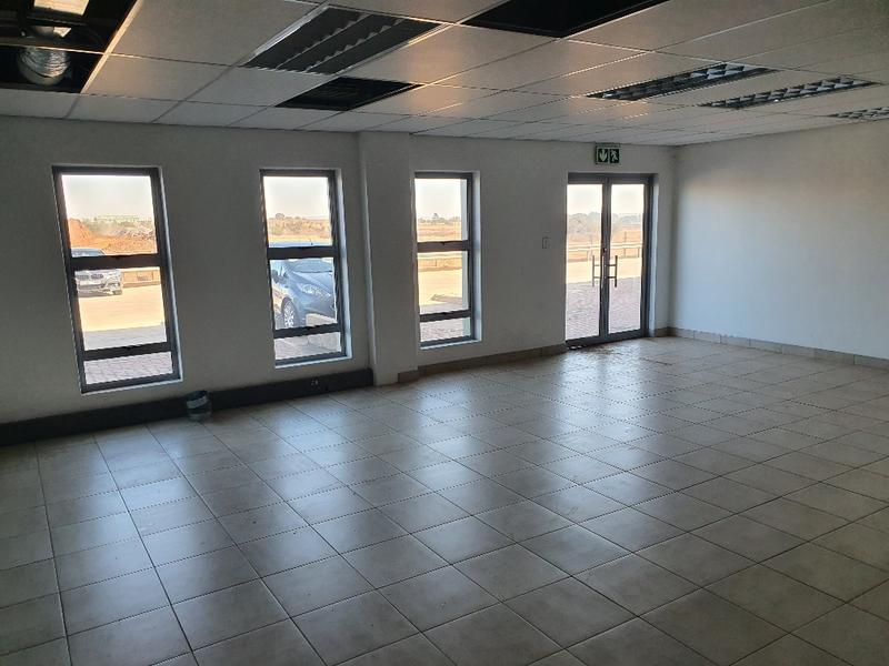 Property For Rent in Olifantsfontein, Midrand 4