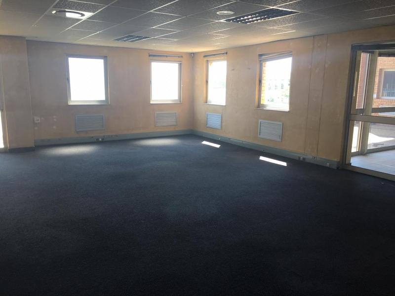Property For Rent in Samrand Business Park, Centurion 11